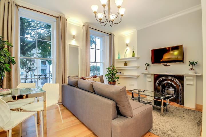 Lovely, Comfortable & Smart Flat in Great Location