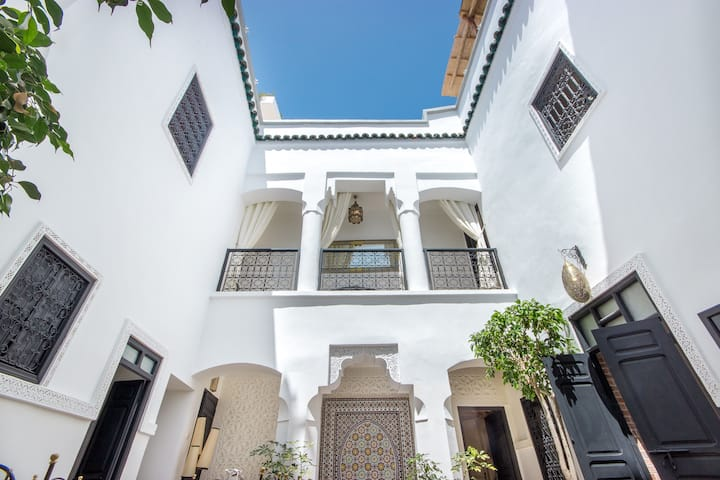 ♡ ENTIRE Riad in the Heart of the Souks