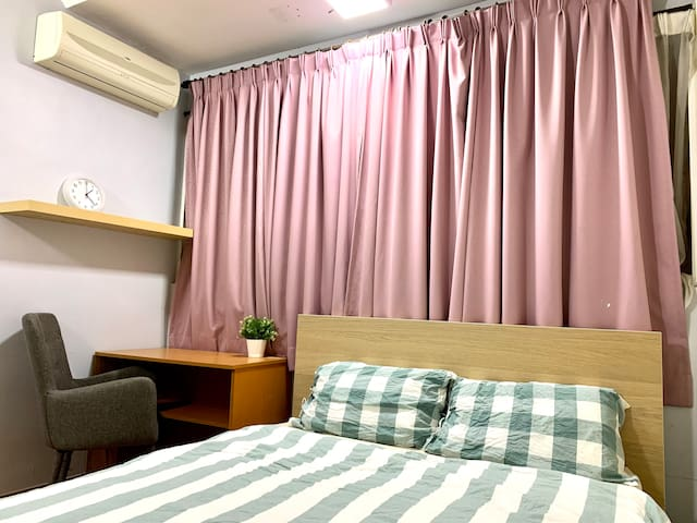 Medium room with aircon