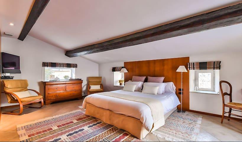 Chambre de charme au grand confort avec terrasse