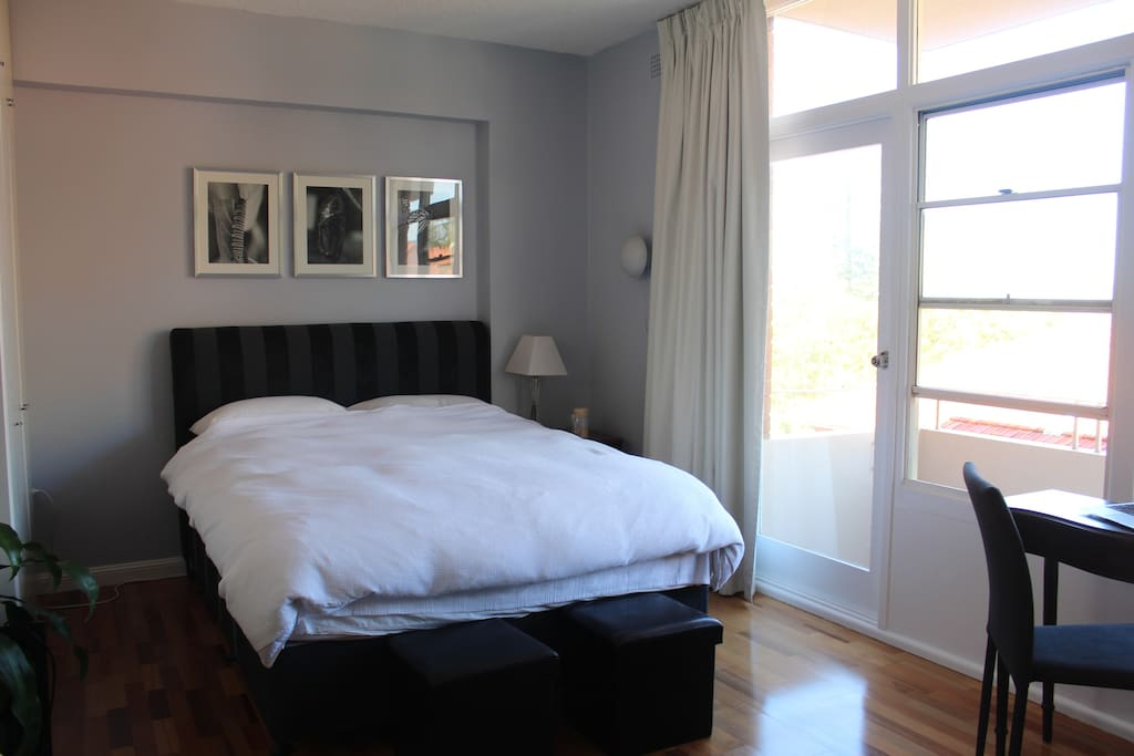 Newly Renovated Studio Apartment with Queen sized Bed