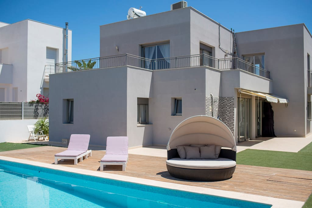 Pool access from the living room and the upstairs terrace connecting 2 bedrooms