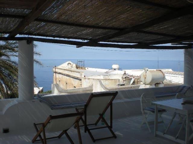 Il Terrazzo di Ginostra - Ginostra - Casa