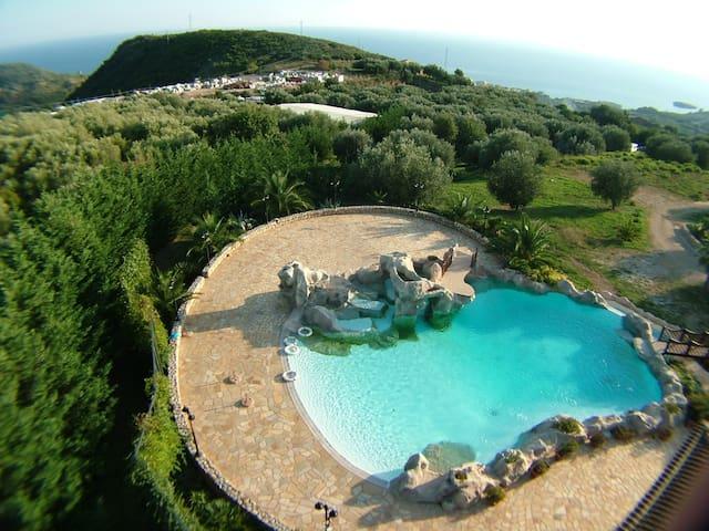 Villetta / piscina a M. di Camerota - Marina di Camerota - วิลล่า