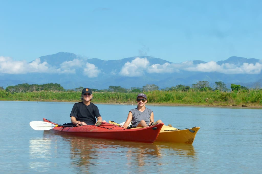 We offer a fantastic kayak tour down the Savegre River, through a mangrove forest, ending right at the Beach Camp.