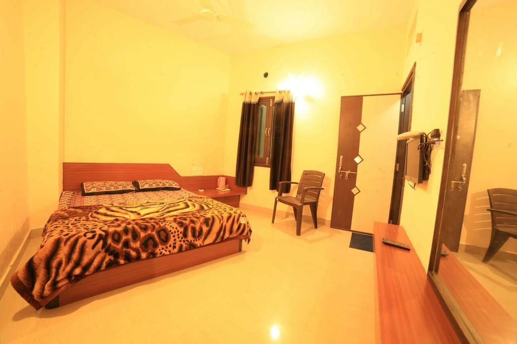 Check in for luxurious stay in Abu