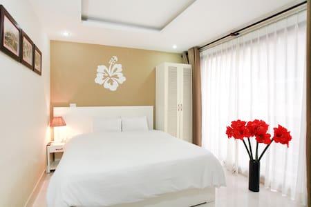 Hanoi Hibiscus Hotel: Deluxe Double - Hang Trong