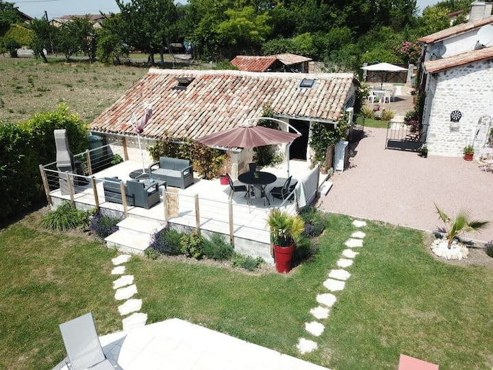 Enchanting Gite with heated Pool