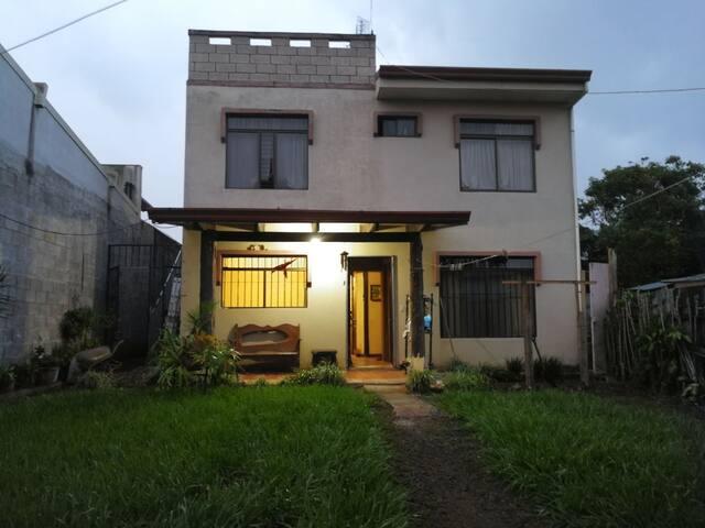 Bienvenidos a Palmares, Alajuela, Costa Rica.