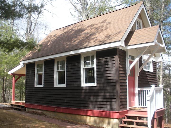 The Cottage on Parkway Loop