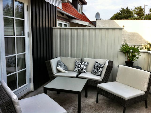 Familyhome in attractive beachtown - Espergaerde