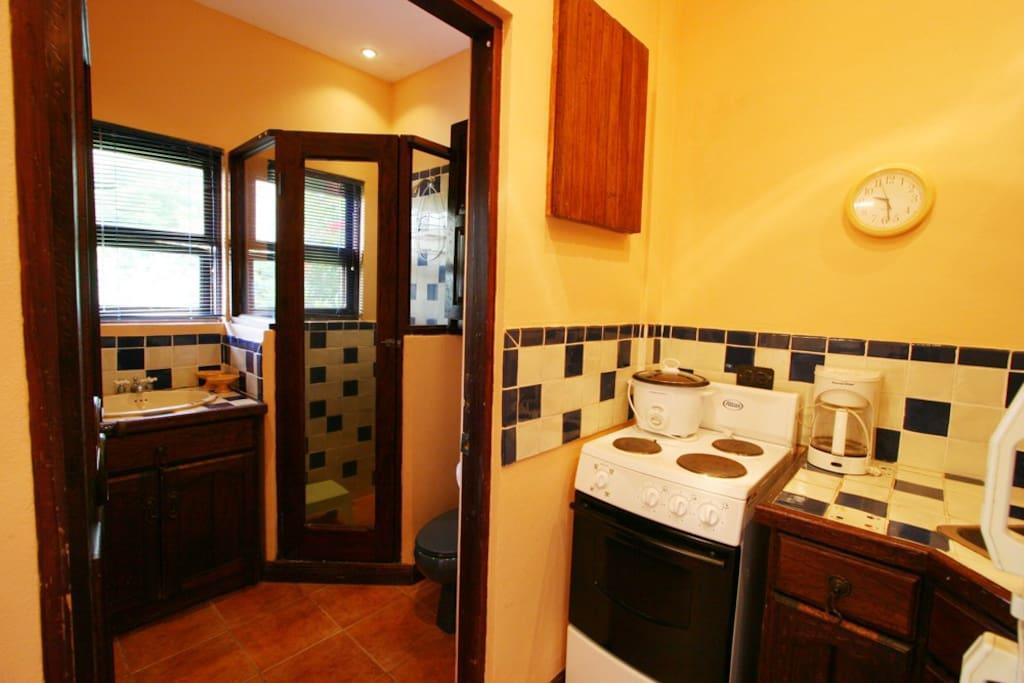 Casita Mango kitchen and bathroom