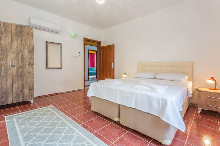 Kaş, Central Location, Walking Distance to Beaches