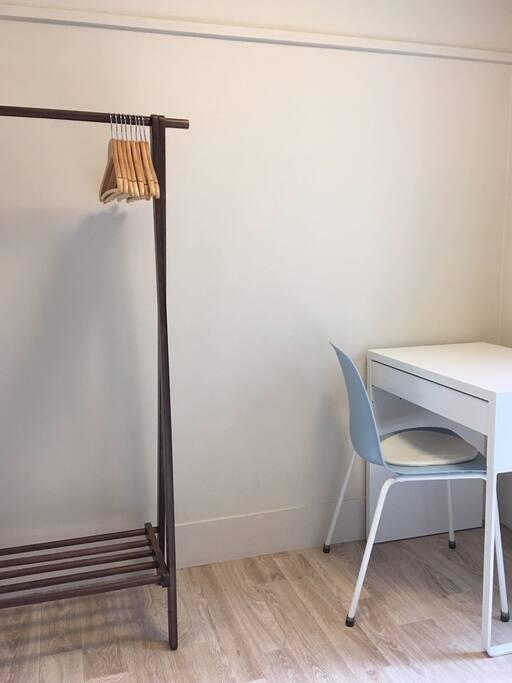 -Private Room-