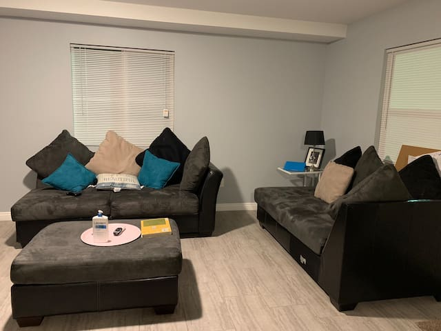 Cozy private room close to Downtown LA and LAX B