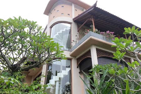 David & Rika Bed and Breakfast - Karangasem