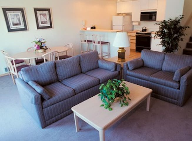 2-Bedroom Deluxe, Port Townsend WA - Port Townsend