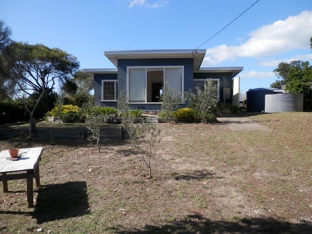 Villa Pescatore - A 60's shack - Paradise Beach - Hus