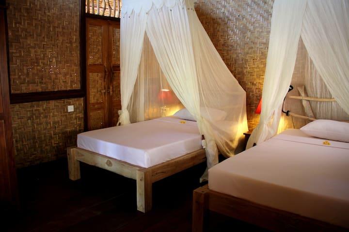 The Calmtree Bungalows, Twin Bed - North Kuta - Bed & Breakfast