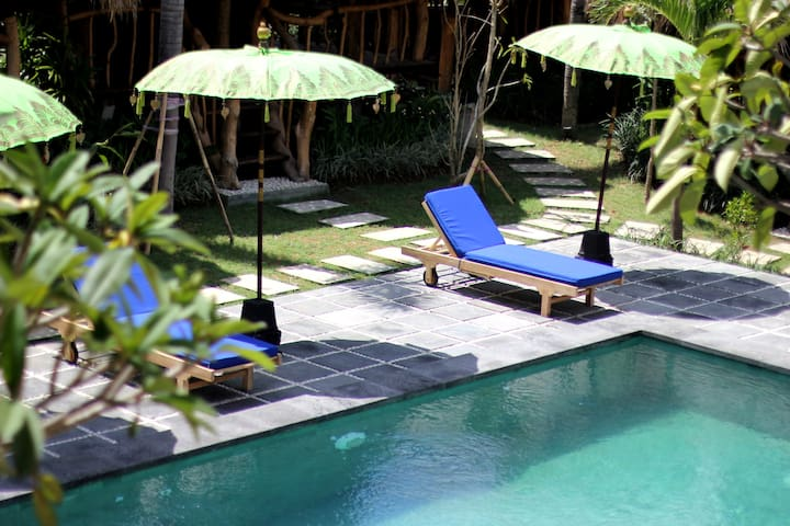 Family / Friends of 3 - 4 persons - Canggu - Hus