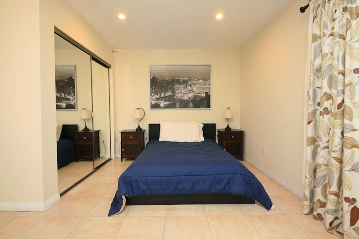furnished guest house near Studios - Kuzey Hollywood - Ev
