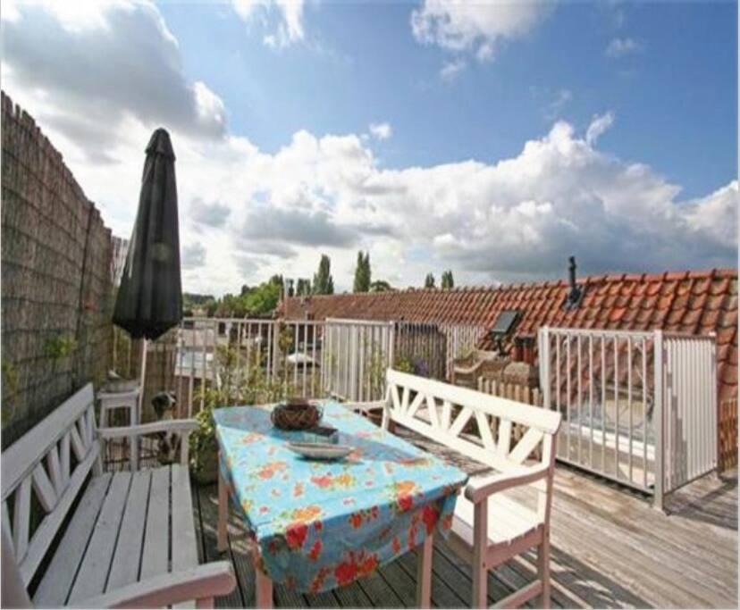 roof terrace | dining area