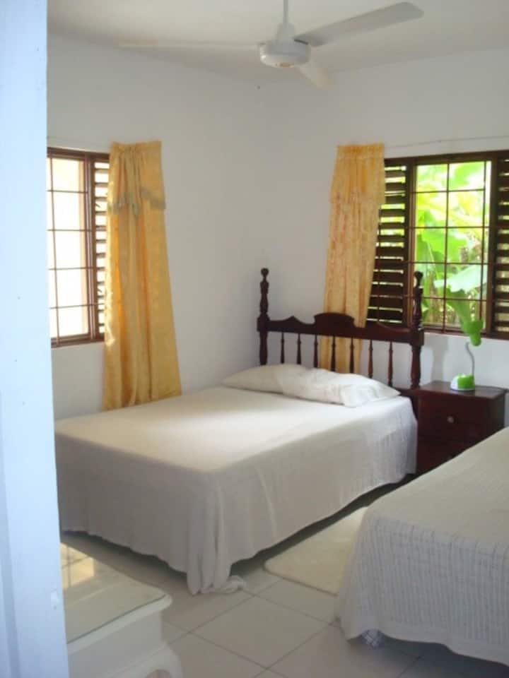 Ocean Wave Villa on Beach Road/Private Kitchen-2