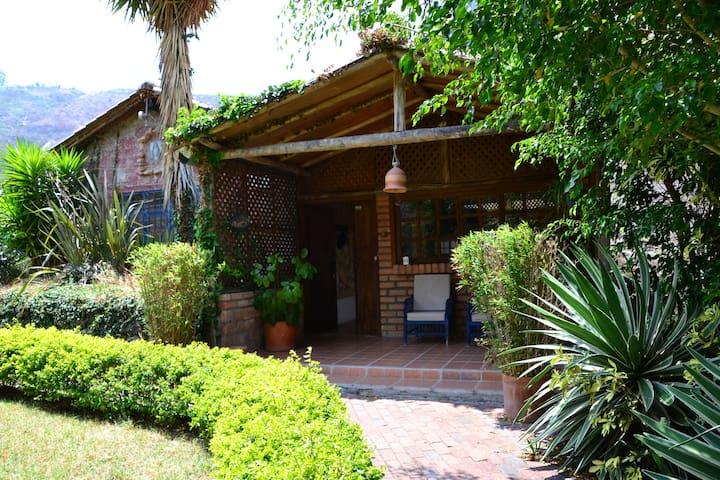 Casa en el sector de Cartagena Susudel, Vía Loja.