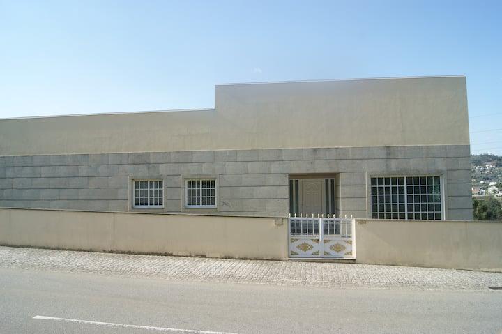 Grande maison avec plage fluviale povoa do lanhoso
