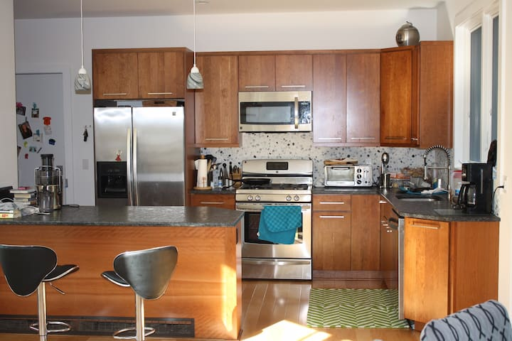 Cool House on Quiet St. with Views - Ossining - Casa