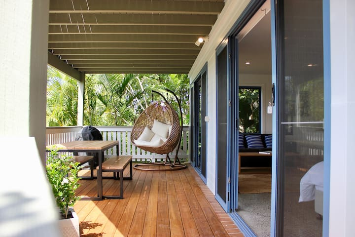 Byron Beech Pad - studio with large balcony, views