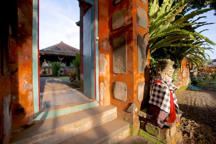 Der Aufenthalt in einem Palast in Karangasem