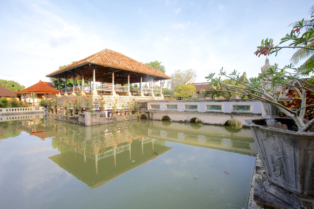 Fishpond and the palace courtyard