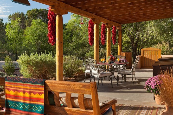 "Your ""authentic"" New Mexico Getaway - Chimayo - Bed & Breakfast"