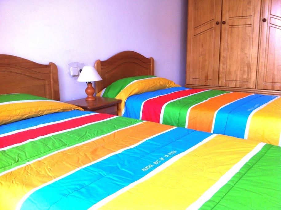 Double bedroom (twin beds)