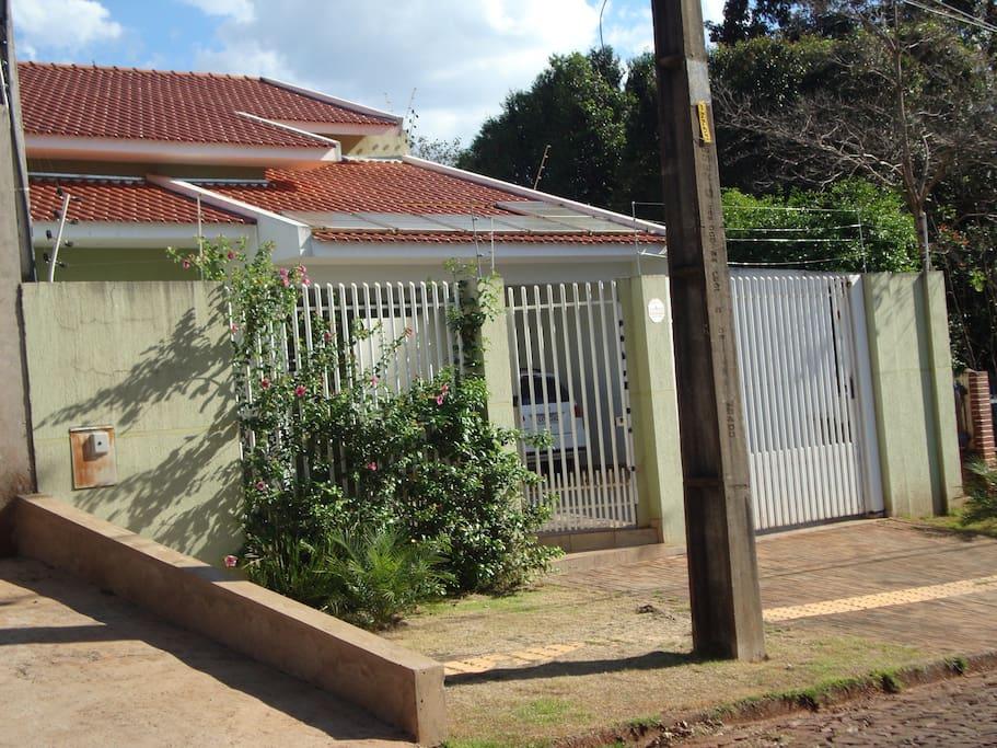 Fachada da casa, vista da Rua Felix Martins