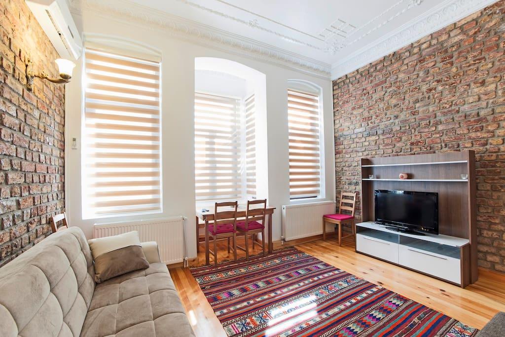luxury apartment in istanbul taxsim wohnungen zur miete. Black Bedroom Furniture Sets. Home Design Ideas