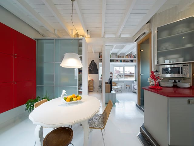 DESIGN & ROMANTIC PENTHOUSE OLD TOWN. + 31 DAYS