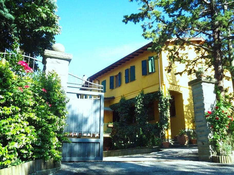 facciata est  della villa