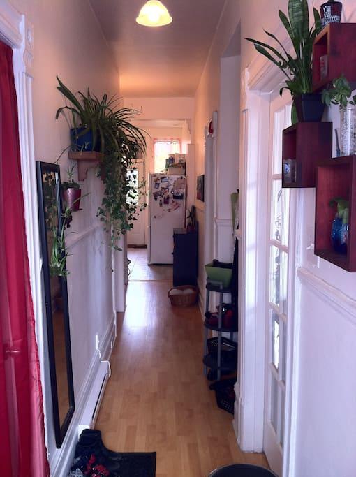 Here is the entry: Welcome home! - Voici l'entrée: Bienvenue chez vous!