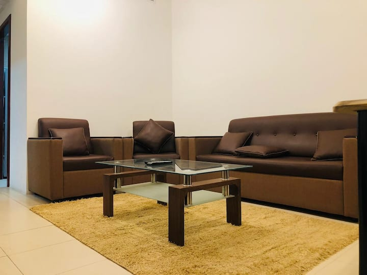 Super clean & fully furnished 1BHK with city view