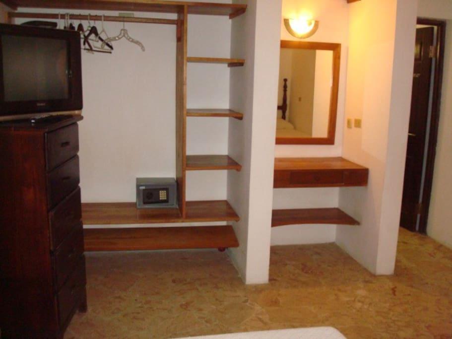Room 6 closet and safe
