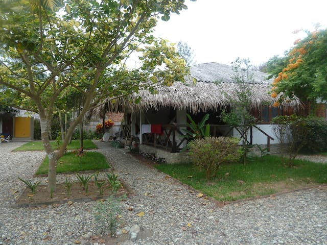 Come relax in Ayampe & enjoy nature - Ayampe - House