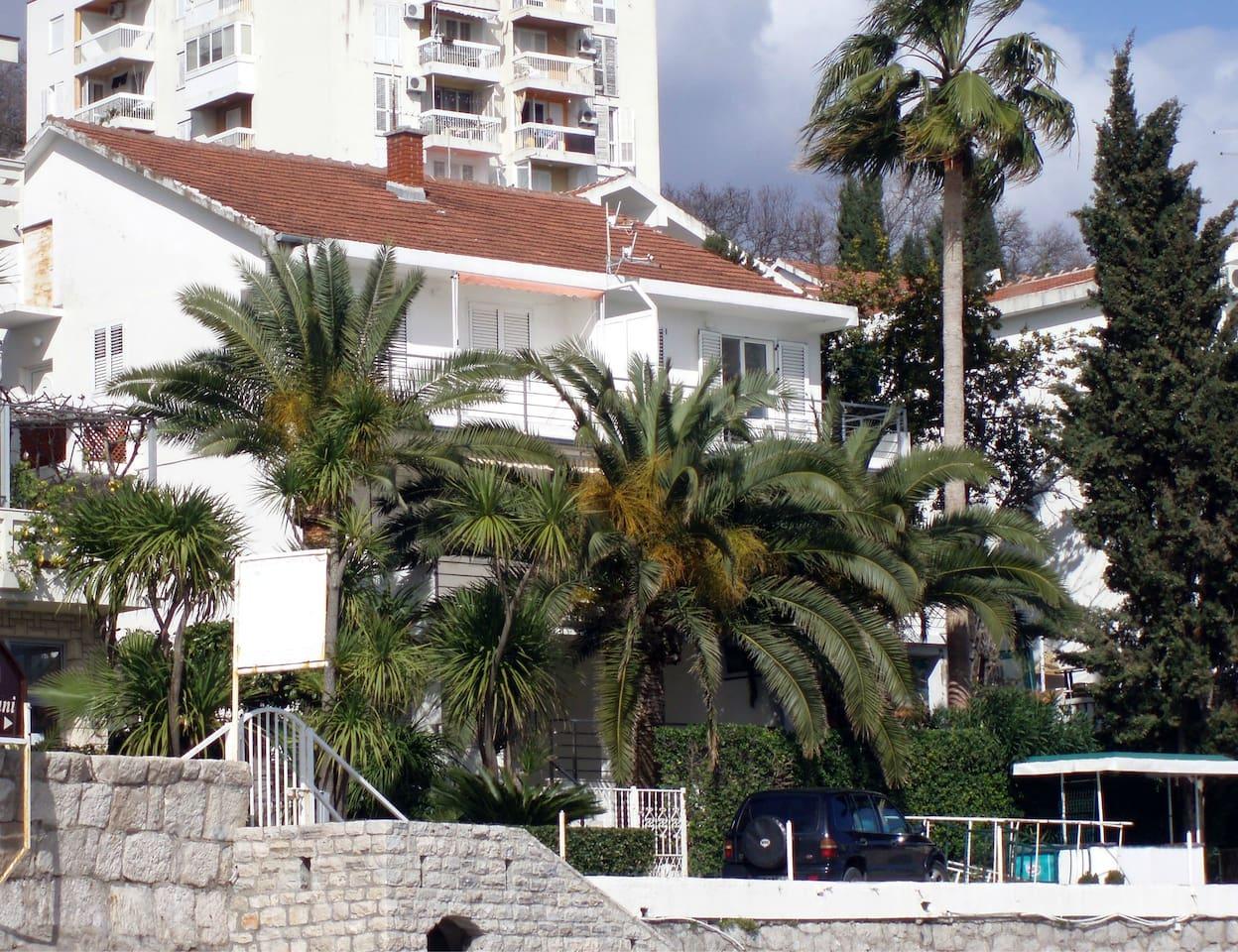 Apartment Corovica Beach