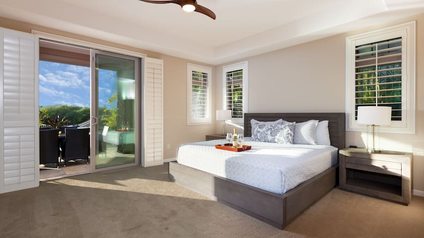 Master bedroom with King bed and private Master ensuite bath (brand new mattress)
