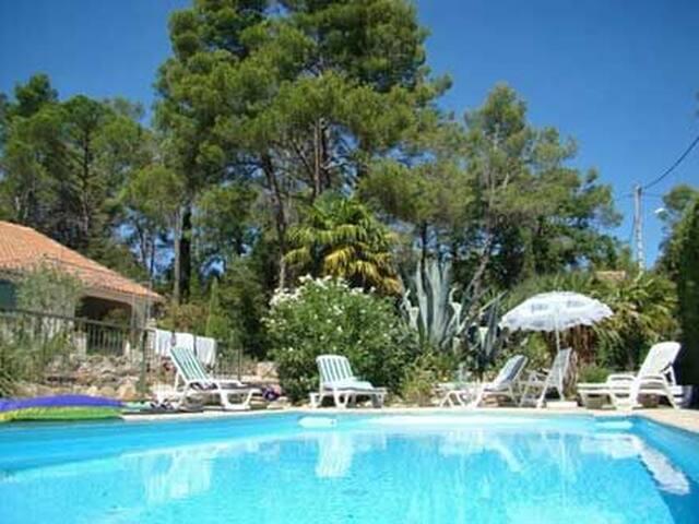 Sillans la Cascade Villa Piscine avec parc arboré
