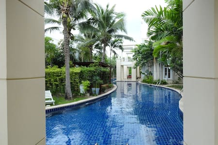 Spacious ground floor apt Hua Hin