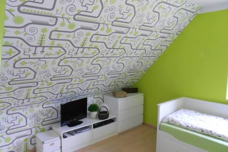 Zimmer zu vermieten - Lehrte - Ev
