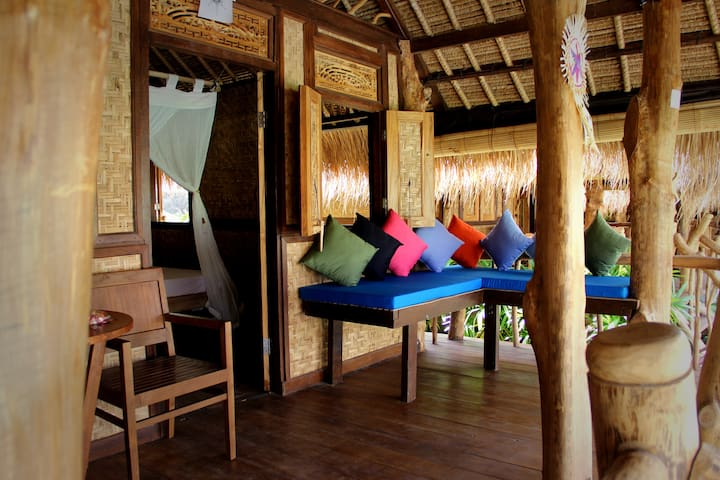The Calmtree Bungalows, Double bed - Kuta - Bed & Breakfast