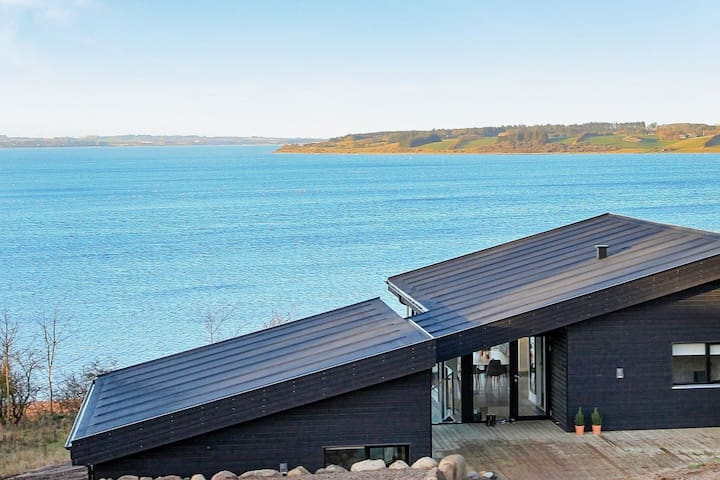 5 star holiday home in Løgstrup